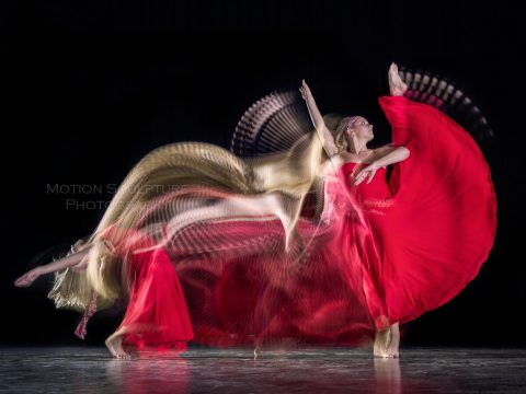 Motion Sculpture - Danseuse Rouge